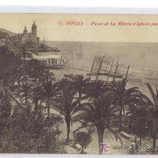 Postales: 57 SITGES - PASEO DE LA RIBERA E IGLESIA PARROQUIAL - L. ROISIN FOTOG.. Lote 26586151