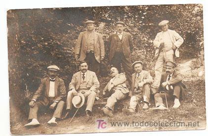 SAN HILARI SACALM, GERONA1914.FOTOGRAFIA DE GRUPO DE HOMBRES - ESCRITA Y CON SELLO-VELL I BELL (Postales - España - Cataluña Moderna (desde 1940))