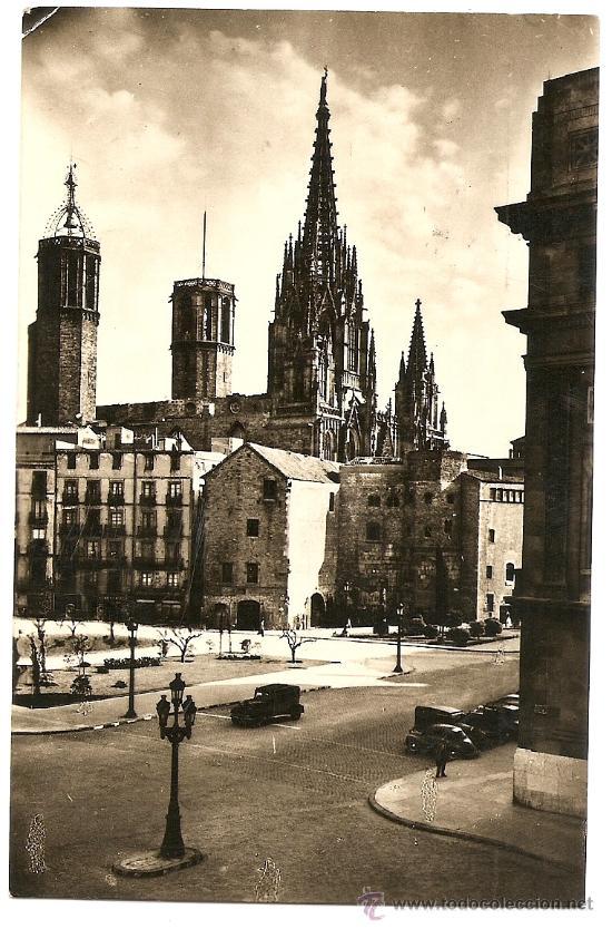 BARCELONA - TORRES DE LA CATEDRAL - SOBERANAS - CIRCULADA 1956 (Postales - España - Cataluña Moderna (desde 1940))