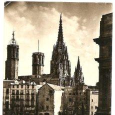 Postales: BARCELONA - TORRES DE LA CATEDRAL - SOBERANAS - CIRCULADA 1956. Lote 16598510