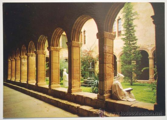 Resultado de imagen de monasterio de poblet CLAUSTRO DE SAN ESTEBAN