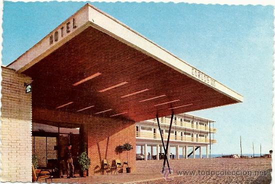 GRAN HOTEL CARLOS III. ALCANAR PLAYA. EDICIONES FOTOCOLOR VALMAR. (Postales - España - Cataluña Moderna (desde 1940))