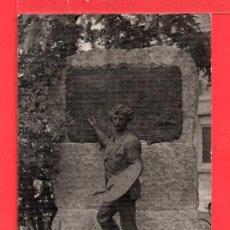 Postales: FOTO POSTAL DE REUS MUNUMENTO A FORTUNI EN EL BARRIO NO CIRCULADA . Lote 27528962
