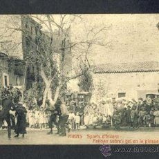 Postales: POSTAL DE RIBES DE FRESSER: ESPORTS D' HIVERN. PATINANT SOBRE EL GEL DE LA PLAÇA ROTLLAT (CASTAÑEIRA. Lote 33986184