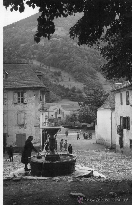 BOSOT. 3 FUENTE PLAZA MAYOR. CUYÁS (Postales - España - Cataluña Moderna (desde 1940))