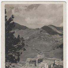 Postales: NURIA. EL SANTUARI DES DE LA COVA DE ST. GIL. Lote 39654754