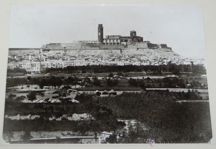 ANTIGUA FOTOGRAFIA DE LERIDA, CATEDRAL Y VISTA DE LA CIUDAD, MIDE 32 X 27 CMS, INCLUIDO EL PASPARTOU (Postales - España - Cataluña Antigua (hasta 1939))