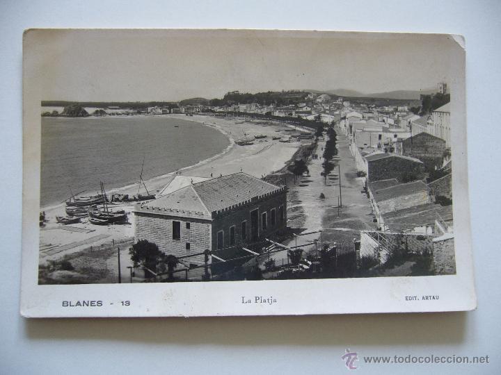 POSTAL FOTOGRÁFICA. BLANES. GIRONA. LA PLATJA. ED. ARTAU. NO CIRCULADA. (Postales - España - Cataluña Antigua (hasta 1939))