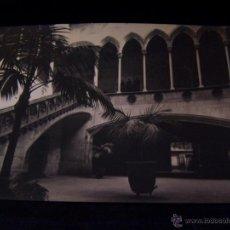 Postales: POSTAL FOTOGRÁFICA SIN CIRCULAR PALACIO DE LA DIPUTACIÓN DE BARCELONA PATIO GÓTICO REALIZADA POR. Lote 215500400
