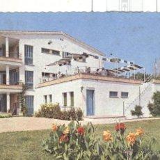 Postales: POSTAL APARTAMENTOS DEL MEDITERRANEO. VILASSAR DE MAR. VILASAR. 1962 SIN CIRCULAR. GRABADA. Lote 45801193