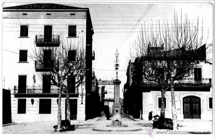 POSTAL SAN VICENTE DE CASTELLET 8BARCELONA) PLAZA DE LOS MARTIRES AYUNTAMIENTO CAJA DE MANRESA. (Postales - España - Cataluña Moderna (desde 1940))