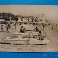 Postales: ANTIGUA POSTAL DE SITGES - PLAYA - FOTOGRAFO R.GASSÓ . R - 360. Lote 52723122
