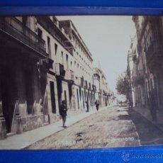 Postales: (PS-47639)POSTAL FOTOGRAFICA DE BADALONA-CALLE DE SAN ISIDRO. Lote 54092235