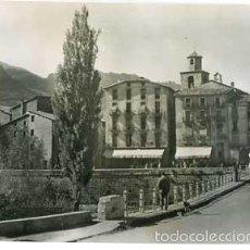 Postales: BARCELONA LA POBLA DE LILLET PLAZA DEL FORT ED. COMERCIAL PRAT 14. POSTAL FOTOGRÁFICA. SIN CIRCULAR. Lote 56798510
