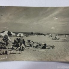 Postales: POSTAL DE TORREDEMBARRA, PLAYA, RAYMOND Nº 43, CIRCULADA 1960.. Lote 57952705