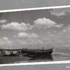 Postales: TARJETA POSTAL DE VENDRELL, TARRAGONA - PLAYA DE SAN SALVADOR.. Lote 61529700