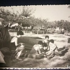 Postales: ANTIGUA FOTOGRAFÍA. CAMPING DE SITGES. BARCELONA. FOTO AÑO 1963.. Lote 75989319