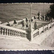 Postales: ANTIGUA FOTOGRAFÍA. SITGES. BARCELONA. AÑO 1963.. Lote 75989671