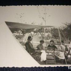 Postales: ANTIGUA FOTOGRAFÍA. CAMPING DE SITGES. BARCELONA. FOTO AÑO 1963.. Lote 75991283