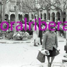 Postales: NEGATIVO ESPAÑA BARCELONA VILAFRANCA DEL PENEDÈS MERCADO 1973 ILFORD 35MM PHOTO FOTO MERCAT MARKET. Lote 84931588