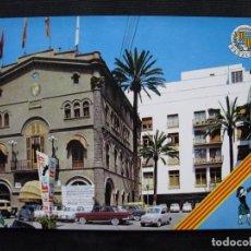 Postales: POSTAL BADALONA - PLAZA JOSE ANTONIO PRIMO DE RIVERA Y AYUNTAMIENTO.. Lote 98200291