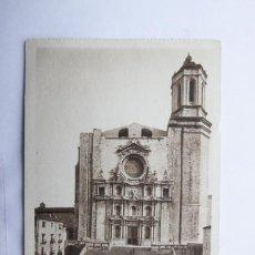Postales: POSTAL GERONA GIRONA - CATEDRAL, ESCALINATA Y FACHADA - L. ROISIN - BUEN ESTADO. Lote 110036579