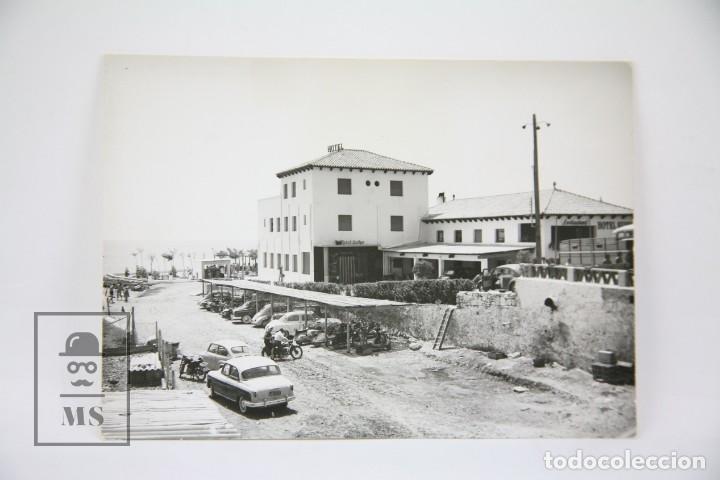 POSTAL FOTOGRÁFICA - SAN CARLOS DE LA RÁPITA, HOTEL SUIZO PLAYA / TARRAGONA - ED. FIGOLS - AÑOS 60 (Postales - España - Cataluña Moderna (desde 1940))