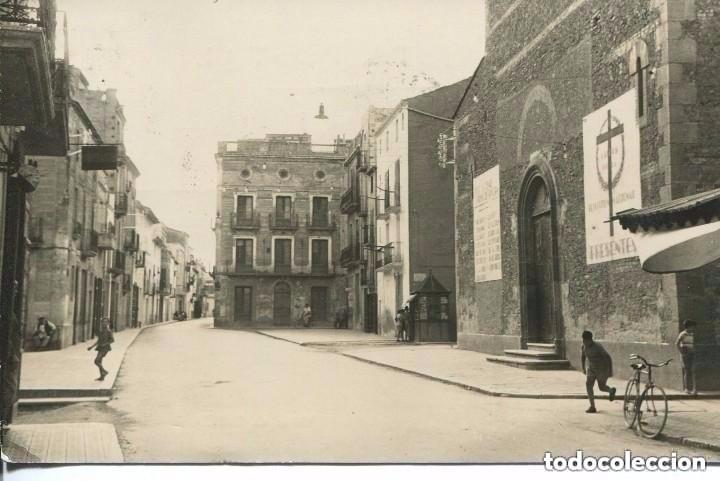 TARRAGONA-SANTA BARBARA- IGLESIA CON CARTELES EN LA FACHADA POR LOS CAÍDOS -FOTOGRÁFICA (Postales - España - Cataluña Moderna (desde 1940))