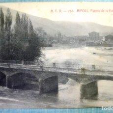 Postales: TARJETA POSTAL A.T.V. 763 RIPOLL , PUENTE DE LA ESTACIÓN , FECHADA 1907. Lote 126602535