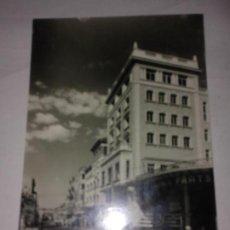 Postales: POSTAL DE FOTO RAYMOND. TARREGA. AVENIDA DE CATALUNYA. AÑOS 50. Lote 126826655