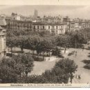Postales: BARCELONA-CORTES-CRUCE PASEO DE GRACIA-AL FONDO LA SAGRADA FAMILIA-- BASUYAU. Lote 127938235