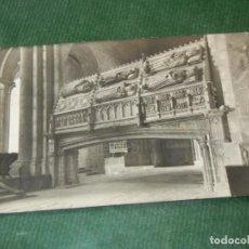 Postales: MONASTERIO DE POBLET - LAS TUMBAS REALES - CLISE PLASENCIA PO 1958. Lote 143035746