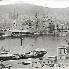 Postales: POSTAL * BARCELONA , VIA LAIETANA DES DEL MOLL DE LA BARCELONETA * ARTIGUES 962 - ANY 1956. Lote 143521634