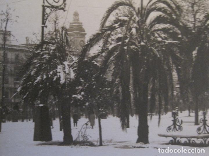 Postales: BARCELONA-NEVADA-PLAZA CATALUÑA-FOTOGRAFICA ROISIN-11-POSTAL ANTIGA-(56.410) - Foto 3 - 148356630