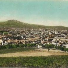Postales: TERRASSA. TARRASA. LA CIUDAD Y SAN LORENZO AL FONDO. CON SELLO Y ESCRITA. ZERKOWITZ. 9X23 CM. 1961. . Lote 163587386
