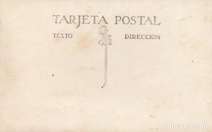 Postales: Sant Hilari Sacalm, CIRCA 1910. retrato de grupo en la plaza del pueblo. - Foto 2 - 167291604