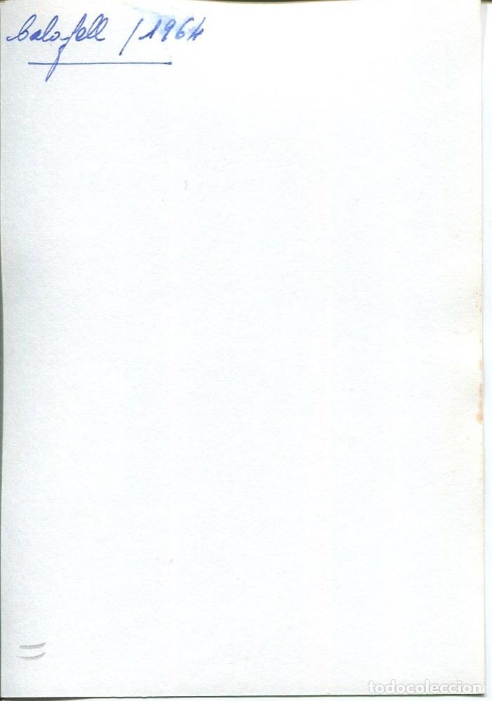 Postales: CALAFELL-PLAYA VENDEDOR AMBULANTE DE PEPSI-COLA Y REFRESCOS-AÑO 1964-FOTOGRÁFICA MUY RARA - Foto 2 - 175179320