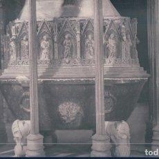 Postales: POSTAL MONASTERIO DE SANTAS CREUS - DTALLE DE LA TUMBA DEL REY D PEDRO II EL GRANDE - RAYMOND 17. Lote 177036772