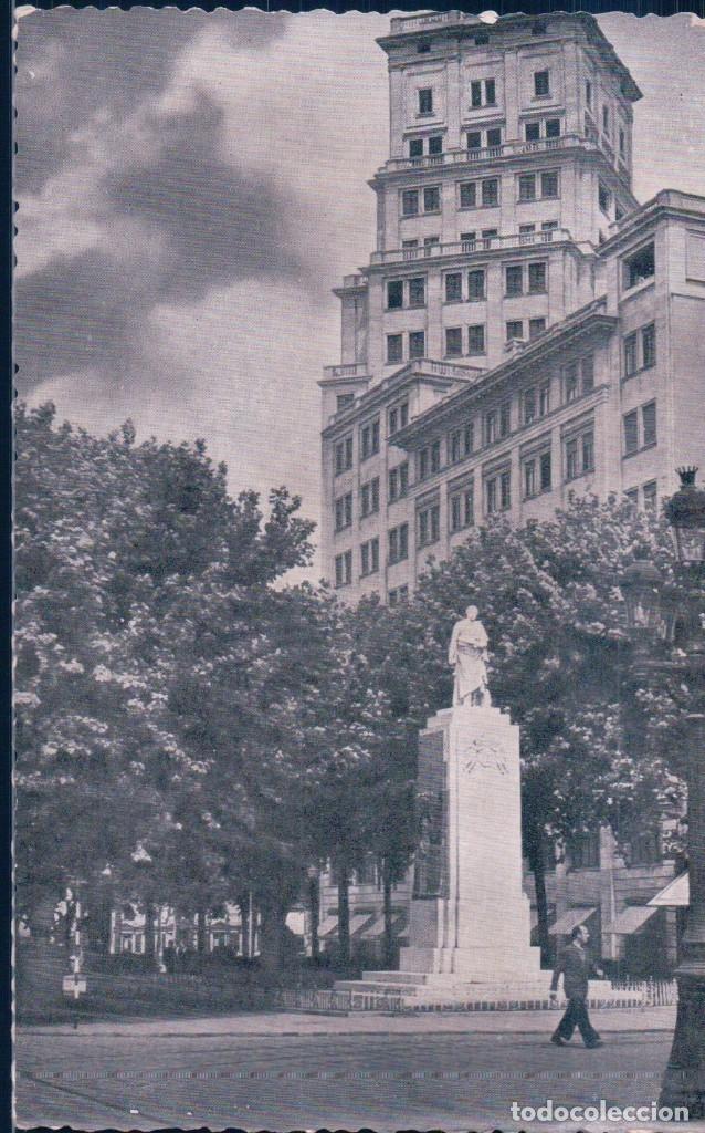 POSTAL BARCELONA - AV JOSE ANTONIO - MONUMENTO MARQUES DE COMILLAS - EDICIONES ESPAÑA (Postales - España - Cataluña Antigua (hasta 1939))