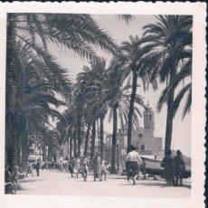 Postales: FELICES NAVIDADES Y AÑO NUEVO DESDE SITGES. Lote 182660938