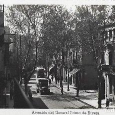 Postales: POSTAL 16 BADALONA. AVENIDA DEL GENERAL PRIMO DE RIVERA. SOBERANAS. 1956.. Lote 195114065