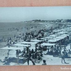 Postales: ANTIGUA POSTAL VILLANUEVA Y GELTRU, BARCELONA. LA PLAYA. Lote 196975717