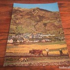Cartes Postales: POSTAL VALLE DE ARAN. BOSSOT. SEMBRANDO PATATAS, CAMPO DE FUTBOL. Lote 201970106