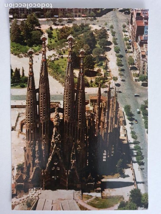 BARCELONA - VISTA AÉREA DE LA SAGRADA FAMILIA - CASCADA - P42770 (Postales - España - Cataluña Moderna (desde 1940))
