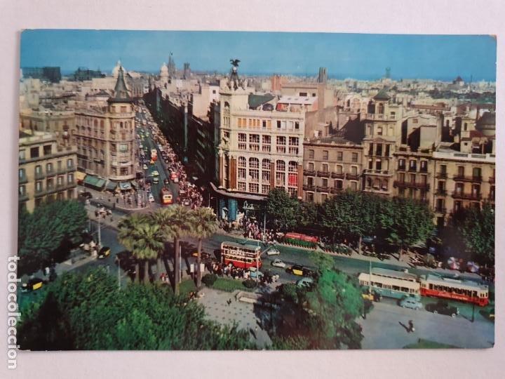 BARCELONA - PLAÇA UNIVERSITAT I CARRER4 PELAI / PELAYO - ALMACENES EL ÁGUILA - P42776 (Postales - España - Cataluña Moderna (desde 1940))