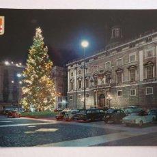 Cartoline: BARCELONA - PLAÇA SANT JAUME - ARBRE DE NADAL / ÁRBOL DE NAVIDAD - SEAT 600 - P42783. Lote 234909200