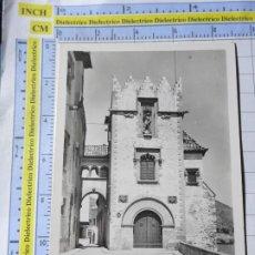 Postales: POSTAL DE BARCELONA. AÑOS 30 50. SITGES PORTAL DE SAN JORGE. 31 GASSÓ. 3605. Lote 245129115