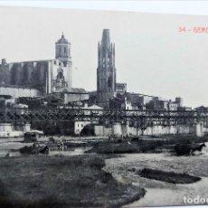 Postales: TARJETA POSTAL ANTIGUA DE GERONA - VISTA PARCIAL Y CATEDRAL - SIN CIRCULAR. Lote 247356345