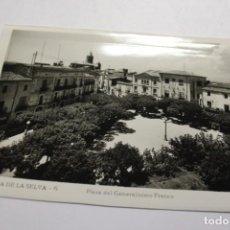 Postales: CASSA DE LA SELVA. 6 PLAZA DEL GENERALISIMO FRANCO. EDIT. LAJAIME. Lote 253442155