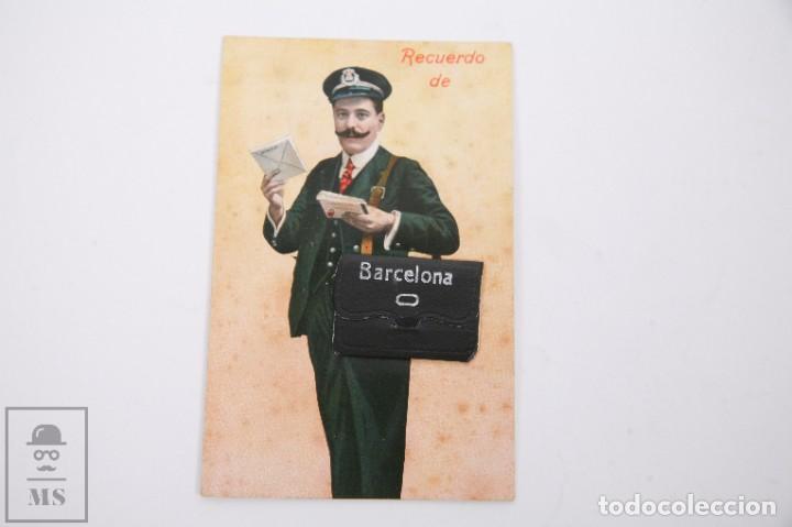 ANTIGUA POSTAL RECUERDOS DE BARCELONA - SIN CIRCULAR - CARTERO 10 VISTAS DESPLEGABLES (Postales - España - Cataluña Antigua (hasta 1939))